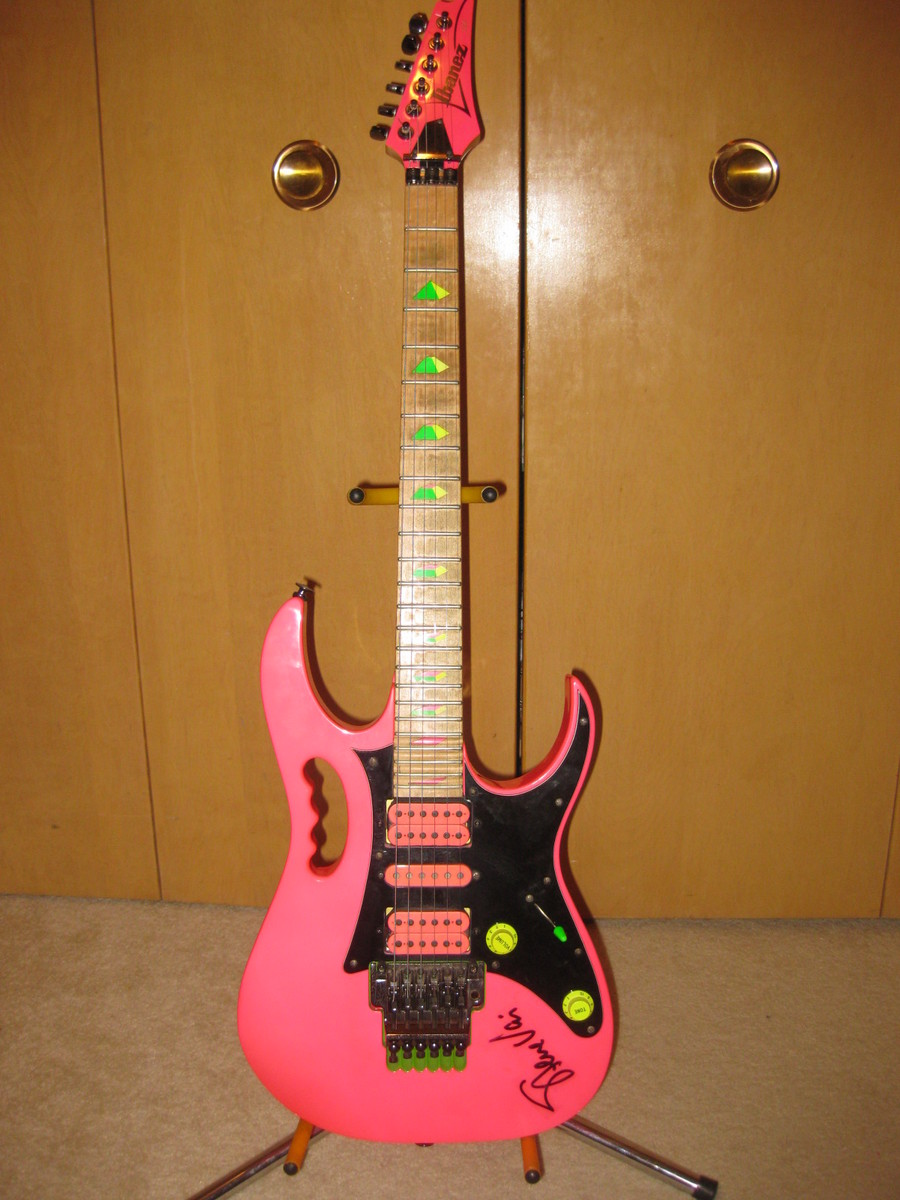 Ibanez Pink Jem 777sk Signed By Vai